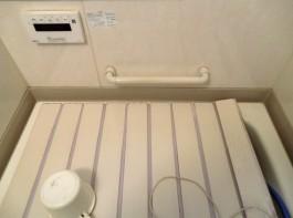 福岡県春日市N様邸バリアフリー・介護リフォーム施工例。水まわり・バスの手すり工事。