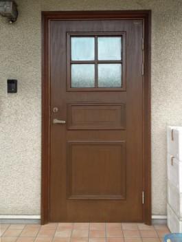 福岡県福岡市東区T様邸ドア塗装リフォーム施工例。外壁・屋根・金物の塗装リフォーム。