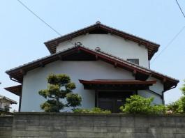 福岡県春日市外壁塗装(壁の塗替え)リフォーム工事の例。塗替えのビフォア―写真。