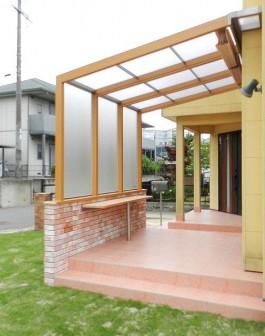 福岡県大野城市のガーデンルーム・サンルーム工事。庭のリフォーム施工例です。
