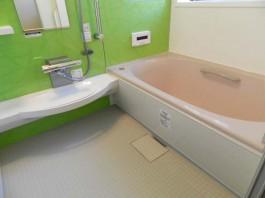 福岡県糟屋郡宇美町の浴室(バスルーム)リフォーム工事。ユニットバスのラバスを施工。