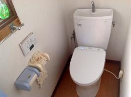 福岡県筑紫郡那珂川町のトイレ・便器リフォーム工事。清潔でお掃除しやすいトイレ。