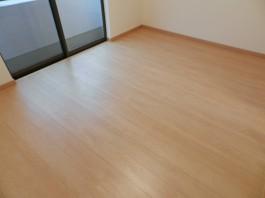 福岡県春日市の一部屋丸ごとクロス・床・フローリング・クローゼット・収納棚リフォーム工事。