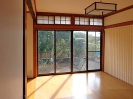 和室を一部残しました。和室とダイニングの間にはアコーディオンカーテンを取付け!